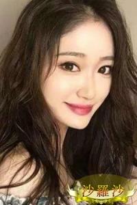 かおりちゃん (22歳) T160 B88 黒いロングヘアーの似合う美人で可愛いメイドです。申し分ないスタイルと美脚、華やかさがあり可愛らしさと色香でメロメロになってしまいます