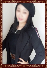 りかちゃん (26歳) T162 B89 (D) W57 H87 丁寧で気さくで楽しい中にも、女性らしさを感じるお姉さんセラピストです。マッサージの技術も素晴らしいく、貴方の身も心もほぐれることでしょう。